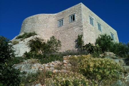 Hydra Kamini Mylos Loft - Hydra
