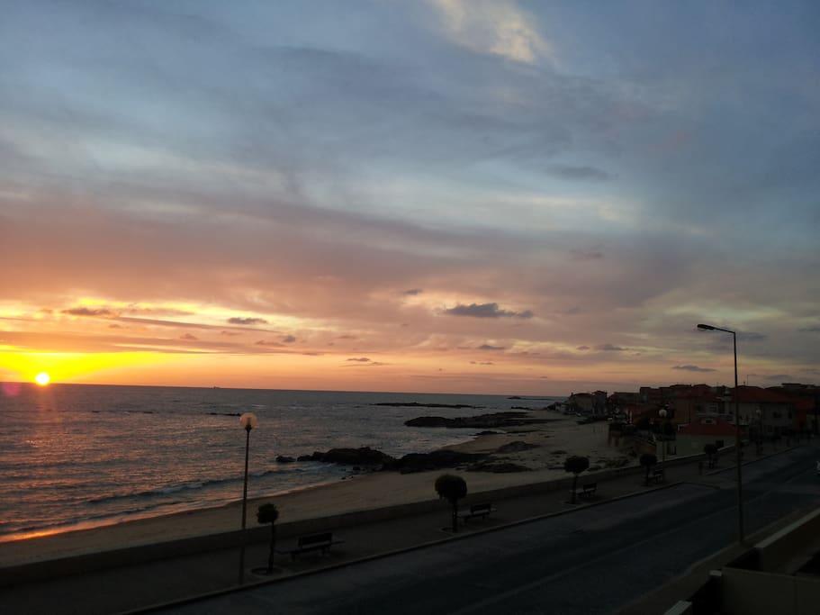 vila do porto mature singles Vila do porto (portuguese pronunciation: [ˈvilɐ ðu ˈpoɾtu], the port town) is the  single  classified under article 58, the historic centre of vila do porto, was  reclassified as a group of public interest, and the older protections revoked.