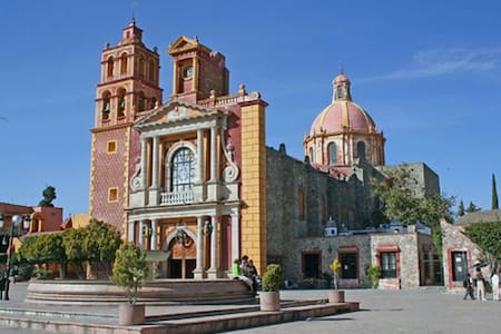 Beautiful Central Mexico TEQUIS QRO - 提克斯克潘 (Tequisquiapan) - 独立屋