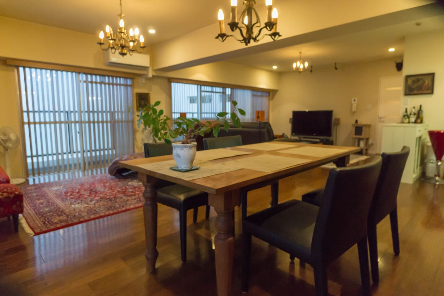Relaxing and spacious living/ dining room with.