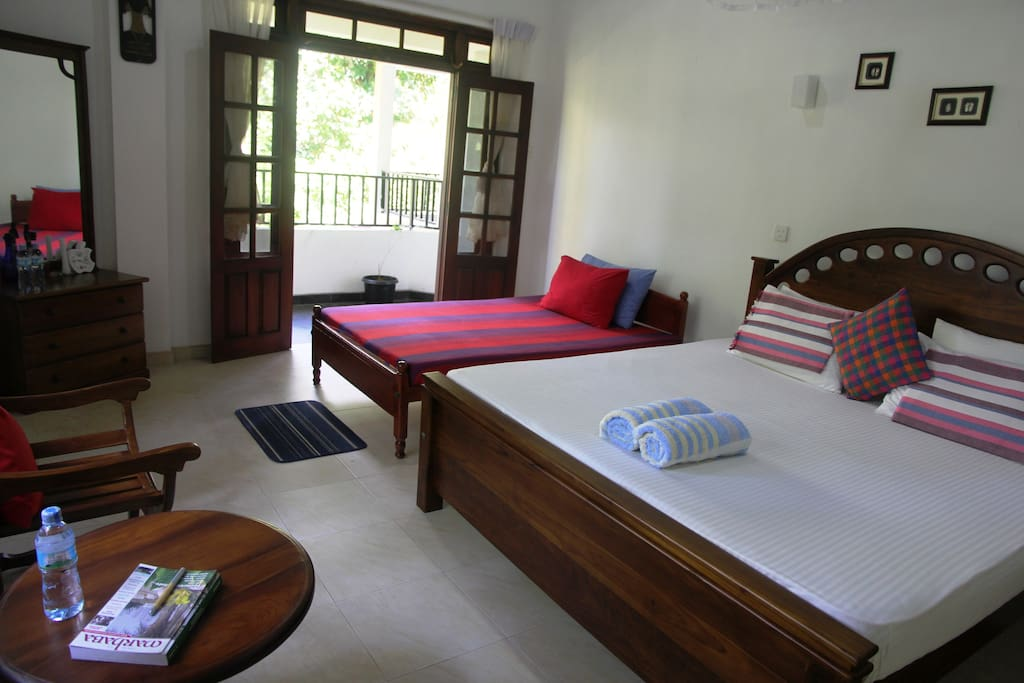 River view bedroom for 3