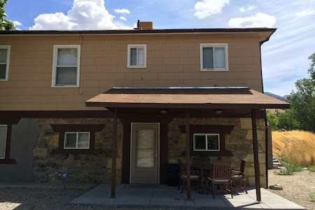 Private Family Friendly Basement - Tooele - House