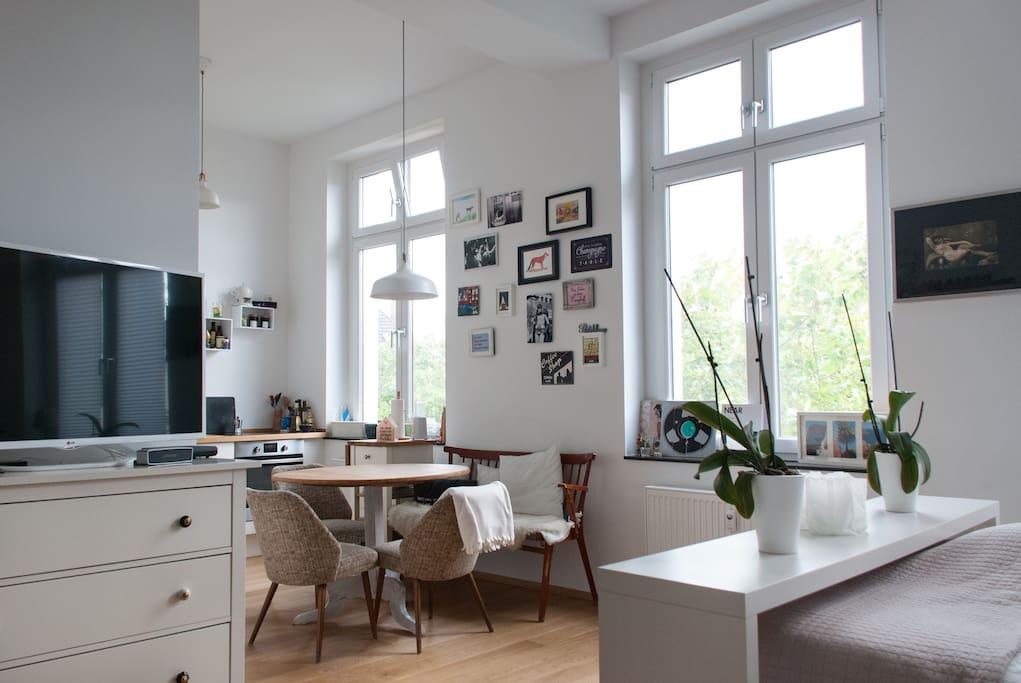 Living/ Dining Corner