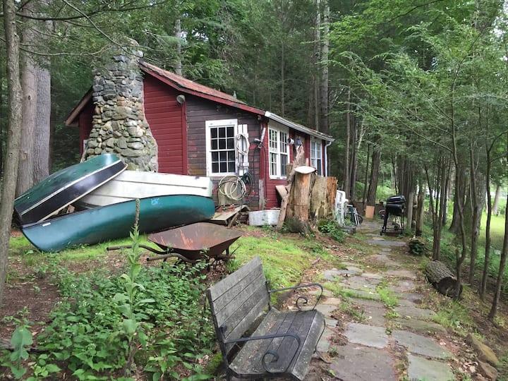 Charming Cabin on Farmington River