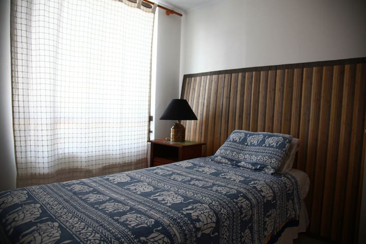 B&B Barrio Exclusivo El Golf - Las Condes - Bed & Breakfast