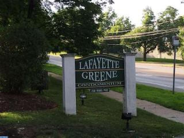 Lafayette Hill-  1br/1ba Pope Visit - Lafayette Hill