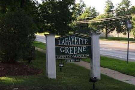 Lafayette Hill-  1br/1ba Pope Visit - Lafayette Hill - Huoneisto
