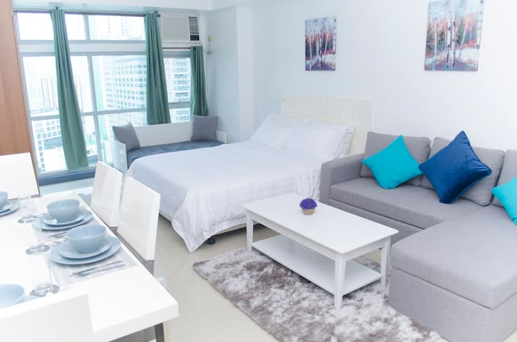 Bright 36sqm Studio With Netflix - Greenbelt Area