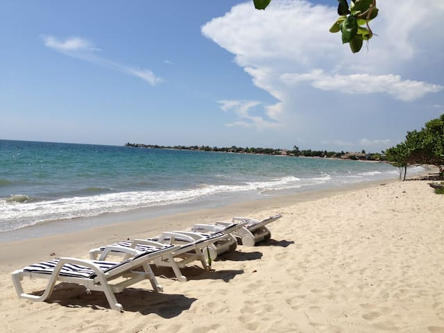 CARTAGENA OUTSKIRTS -  BALSILLAS! CARIBBEAN SEA