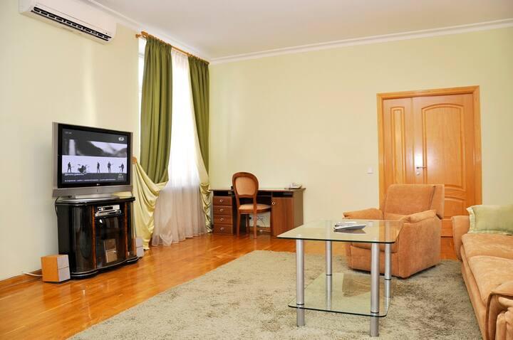 Просторная квартира в центре Киева