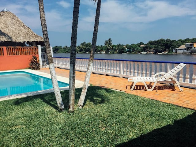 RIVERSIGHT HOUSE - Playa Chachalacas
