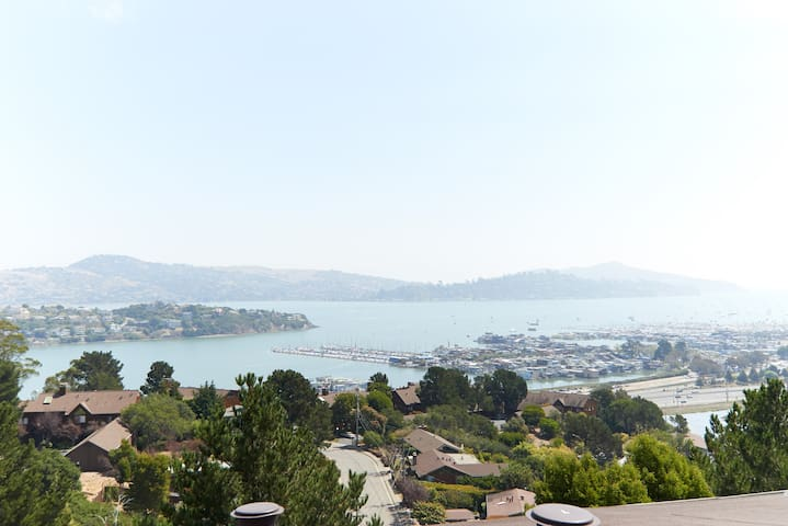 Airy Loft in the Sausalito Hills! - Sausalito - Apartament