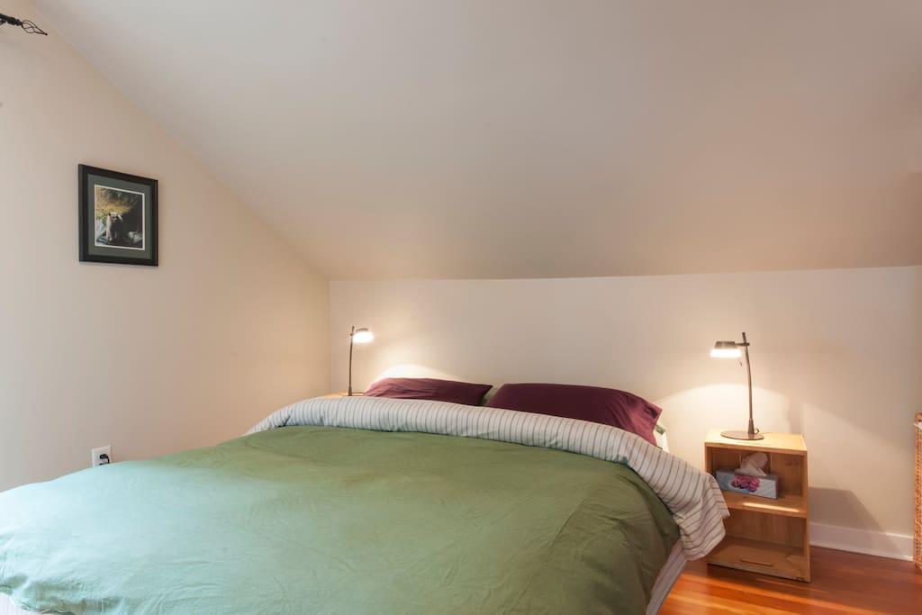 Organic latex queen size mattress
