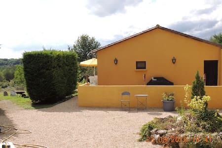 Norwegian owned guest house, pool - Beaumont-du-Périgord