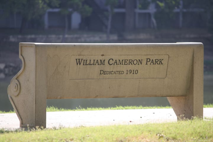 classic park bench!