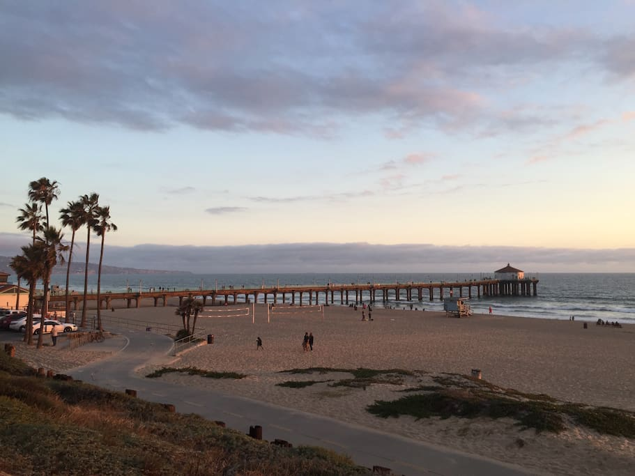 Manhattan Beach Pier is only a 5 minute drive, 10 minute bike ride or 30 minute walk away.