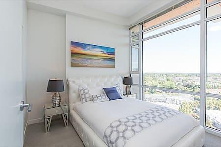 Dream Penthouse-Long Term Rental Only - Richmond - Apartment