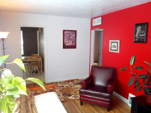Sugarhouse Centrally located! Pets! - Salt Lake City - House