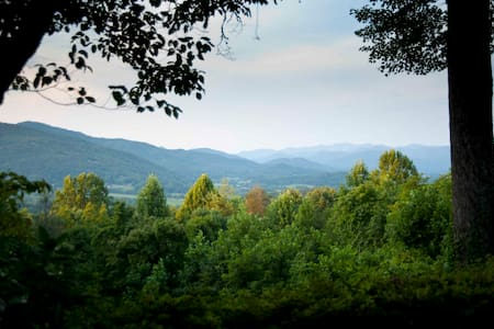 Hillcrest (Black Rock St Park and Dillard House) - Rabun Gap - House