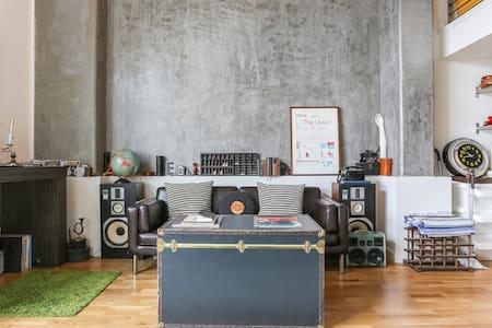 Music lover's dream loft w/ roof! - San Francisco