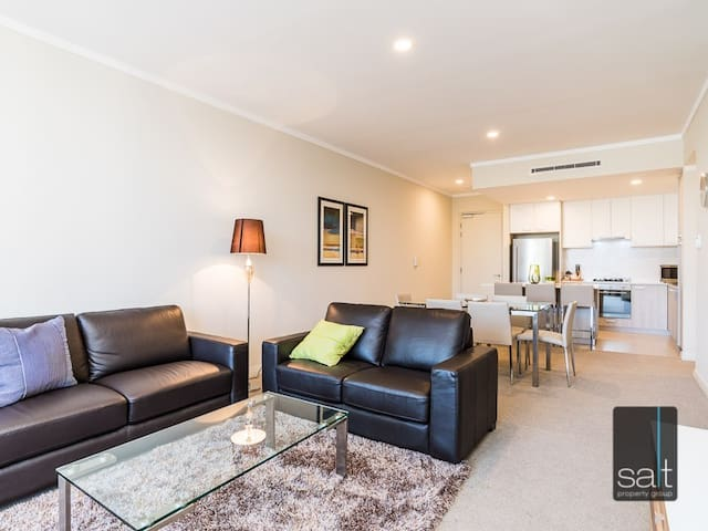 U1, Luxury Apartment in Mt Pleasant - Mount Pleasant - Apartment