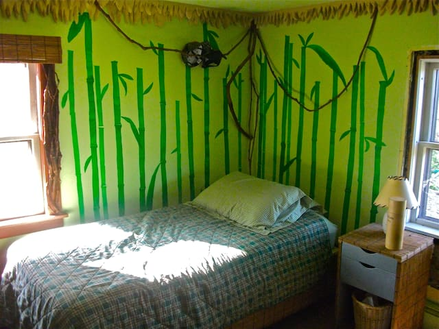 Bright bamboo bedroom in Vermont