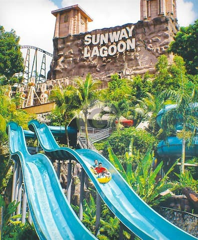 10 minutes drive/by Taxi to Sunway Pyramid Shopping Centre / Sunway Lagoon. Taxi stand is located in front of AEON shopping centre.
