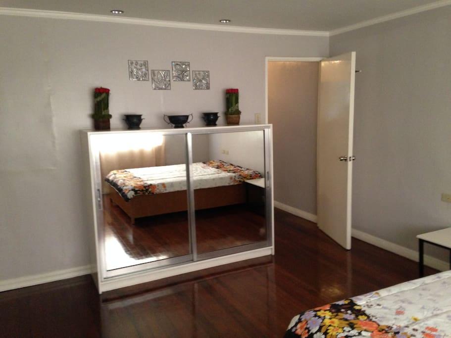 queen bed room second floor room 1