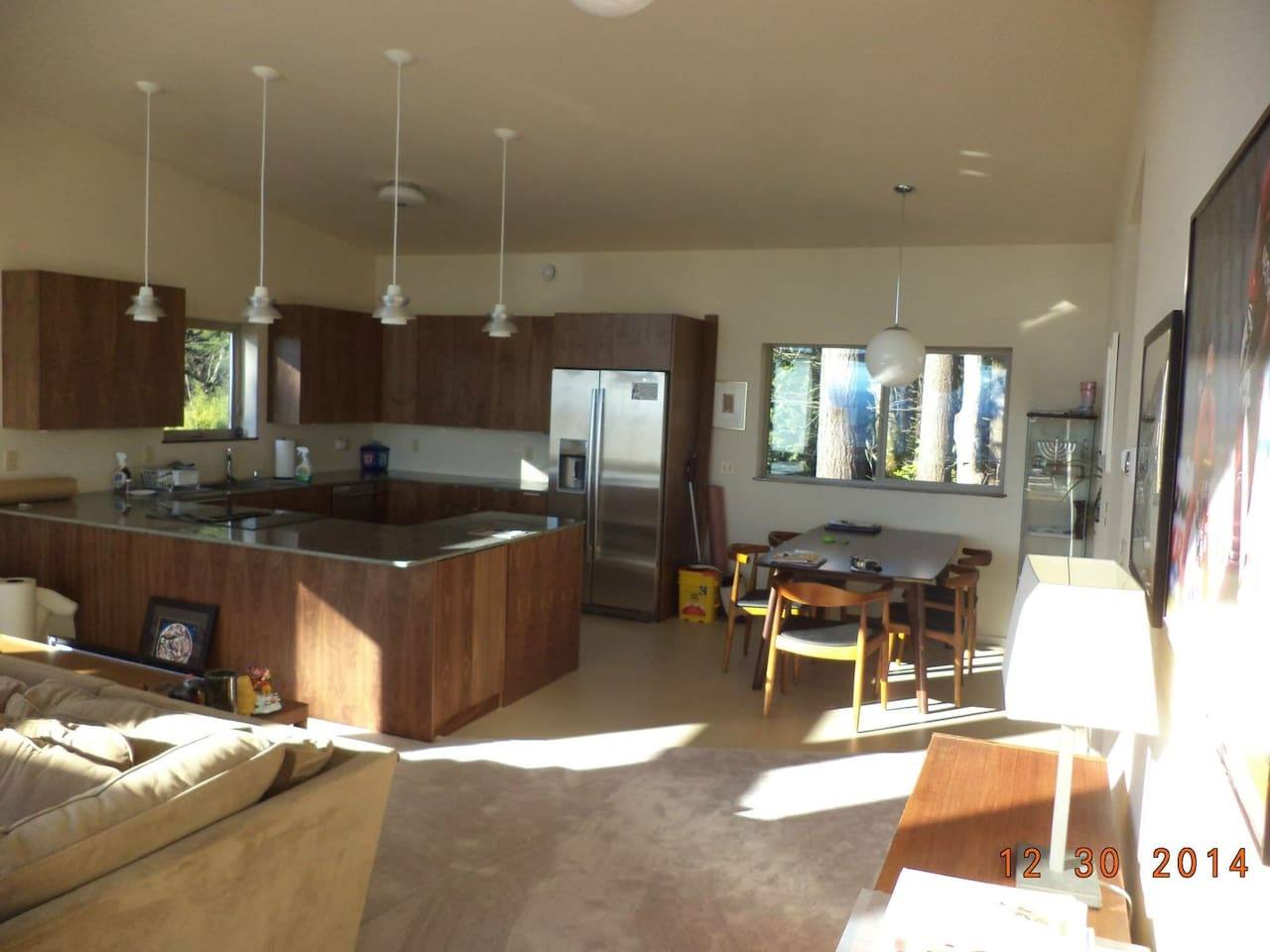 Access to kitchen and living room.