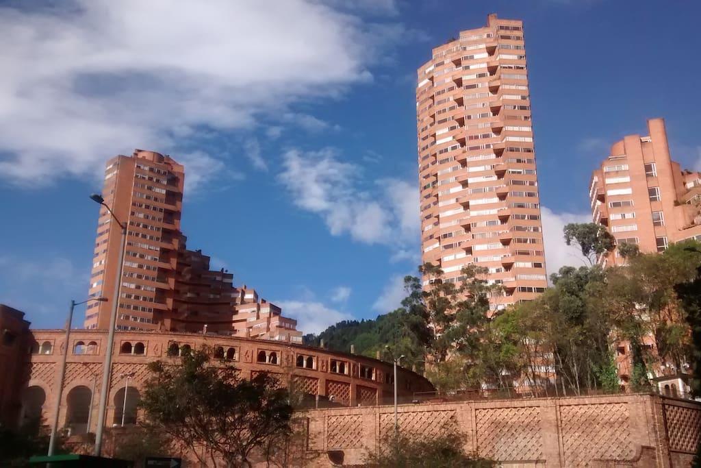 Plaza de toros-Torres del Parque
