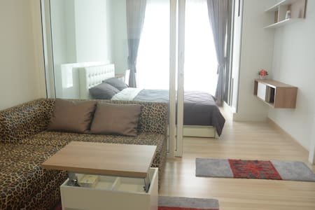 BestPrice/Main road/Close toMRT Skytrain/7-11/WiFi