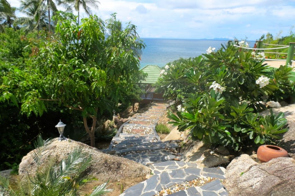 Steps to Hammock Sala with direct access to Haad Thong Lang Bay beach