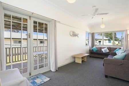 BEACH HOUSE BARRENJOEY - Ettalong Beach