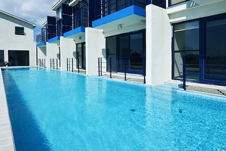 Pool  &  Ocean View Spa - Seogwipo-si