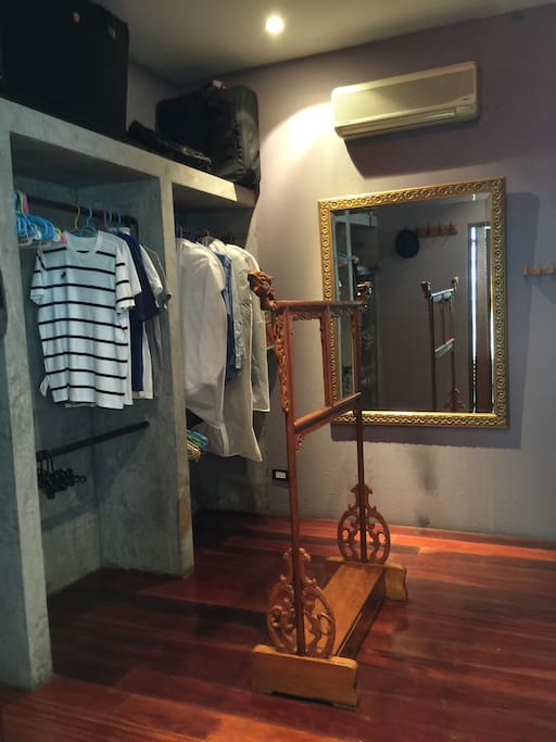 Walk-in closet with aircon