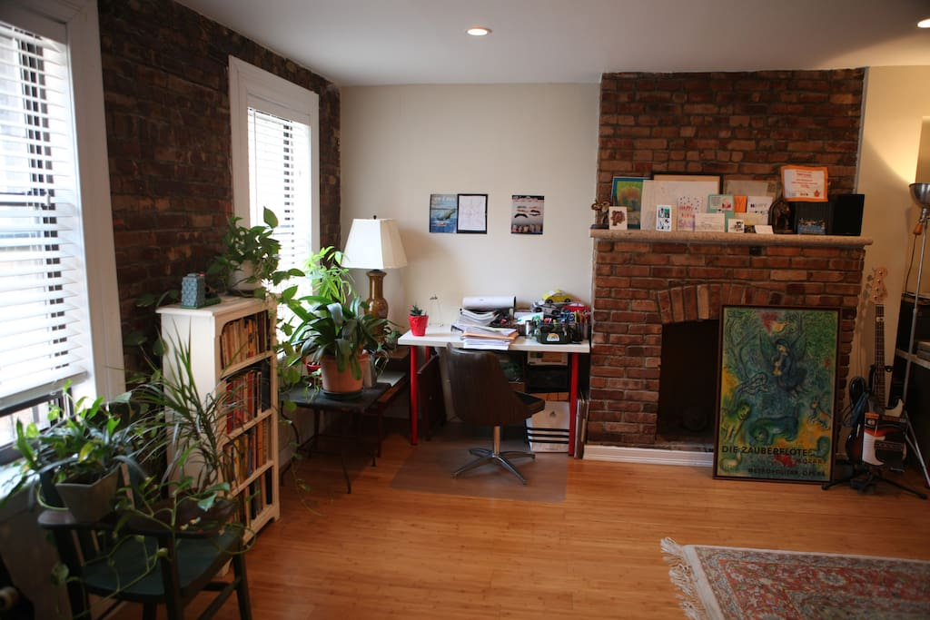 First floor: entry area.