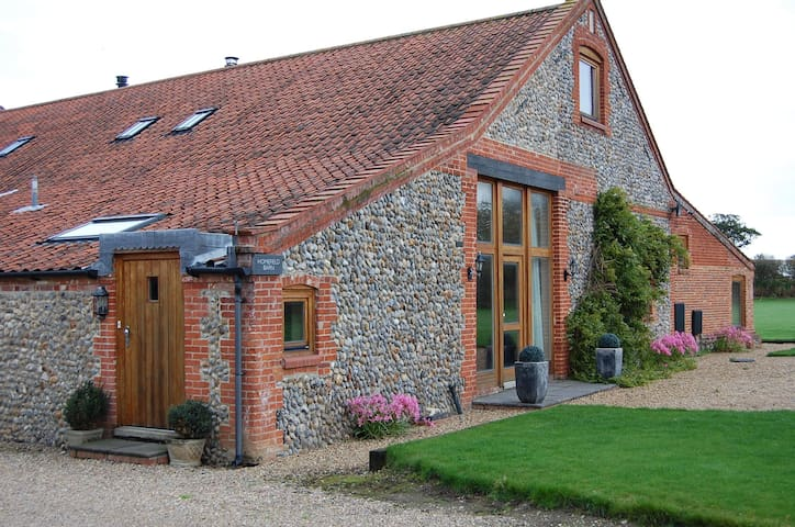 Homefield Barn Studio - 2 miles from the sea - Trunch - Apartamento