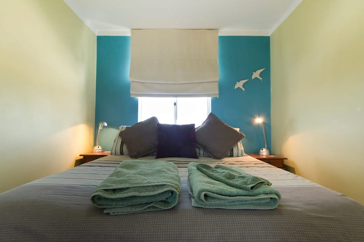 Fremantle Dolphin Retreat Apartment