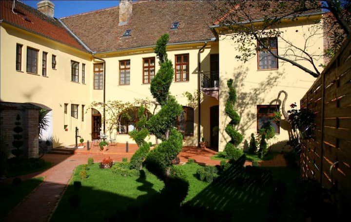 Maksimilian B&B heritage rooms
