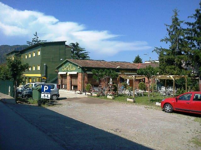 ALBERG BELLAVISTA – BAÑO PRIVADO-2 - Santa Pau - Dom