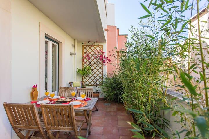Cosy private terrace to enjoy Lisbon's light