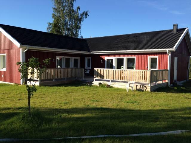 Newly built house close to nature - Luleå Ö - House