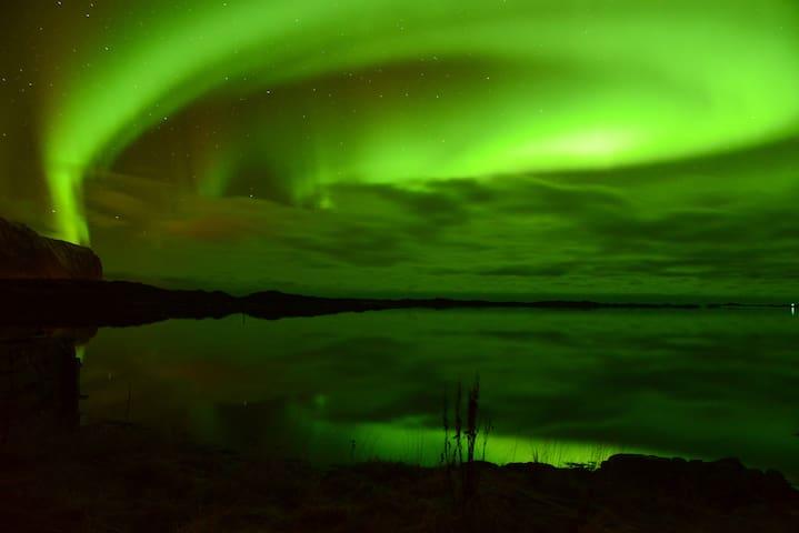 Aurora Borealis Lookout Lofoten - Vestvågøy - House