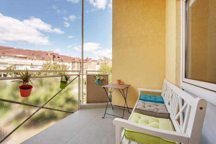 Comfortable Apartment - City Center - Garage4Car