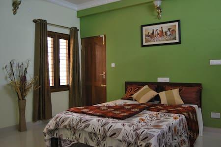 Oberhome a home away from home - Bengaluru - Bungalow - 2