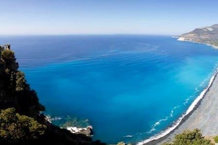 Nonza Vue imprenable sur la mer - Nonza