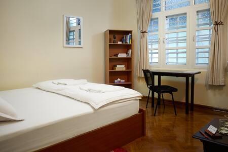 Standard Double Bed Shennoon'sHouse - Yangon - Bed & Breakfast