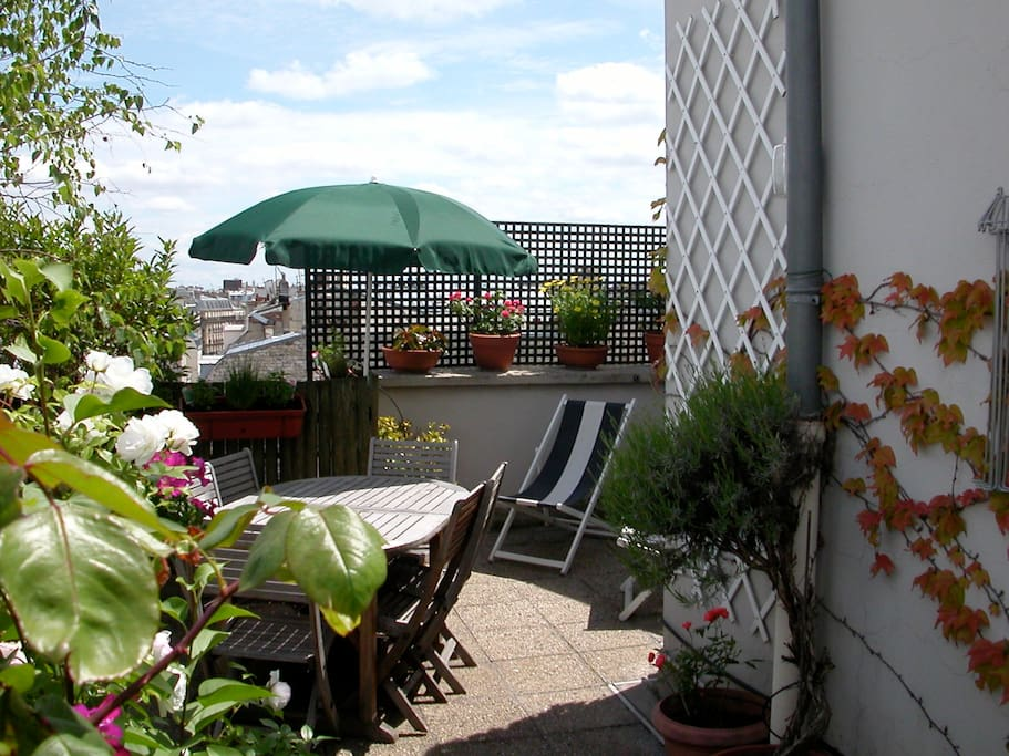 Appartement triplex sur les toits apartments for rent in paris le de france france - Appartement toit terrasse paris ...