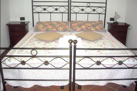 La Garzaga Camera Famigliare - Ceresara - Bed & Breakfast