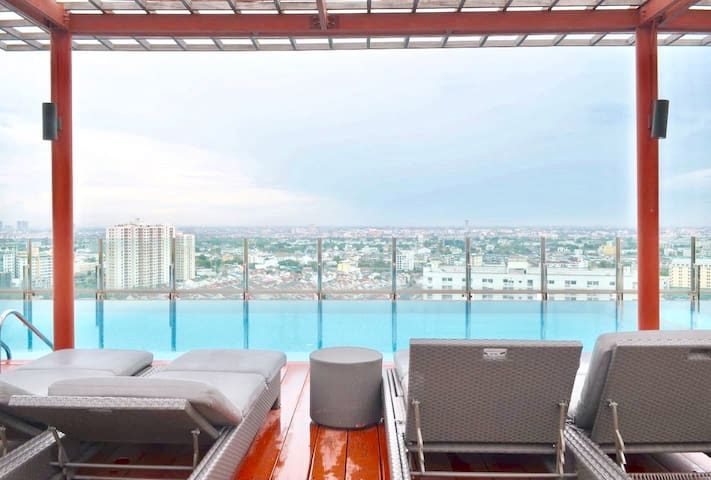 Step to BTS+Wifi+Netflix+Apple TV - Bangkok - Condominium